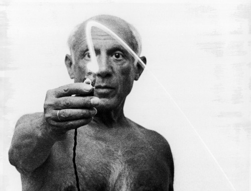 Light Drawings — photographs of Pablo Picasso by Gjon Mili
