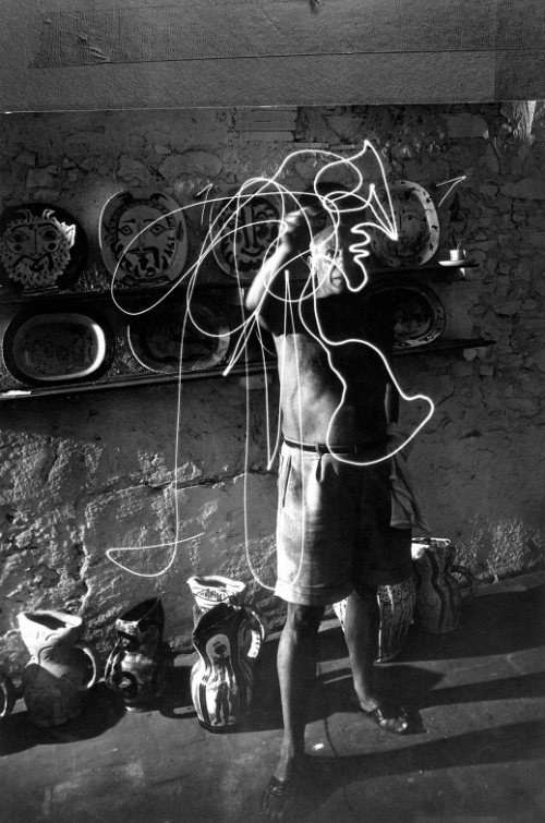 Light Drawings — photographs of Pablo Picasso by Gjon Mili 03