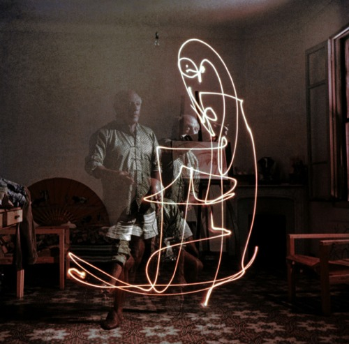 Light Drawings — photographs of Pablo Picasso by Gjon Mili 01